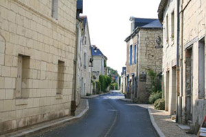 Quiet street in Candes Saint Martin