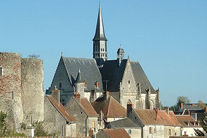 Church and castle in Montresor