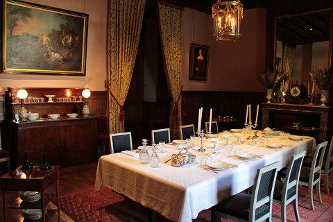 chateau d 39 azay le rideau a beautiful renaissance chateau. Black Bedroom Furniture Sets. Home Design Ideas
